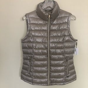 CALVIN KLEIN | Gold Puffer Vest #MBXTY493 - Lg